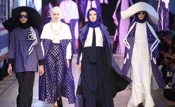 Мусульманские наряды на неделе моды в Лондоне.