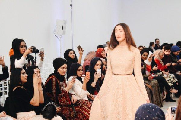 В Лондоне впервые прошел показ мусульманской моды (Фото)