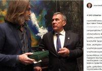 Рустам Минниханов побывал на выставке Никаса Сафронова в Бахрейне