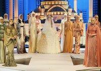 Дочь Рамзана Кадырова представила первую коллекцию мусульманской одежды