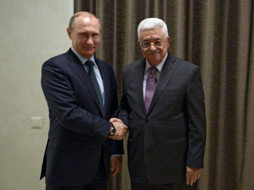 Владимир Путин и Махмуд Аббас на встрече в 2015 году.