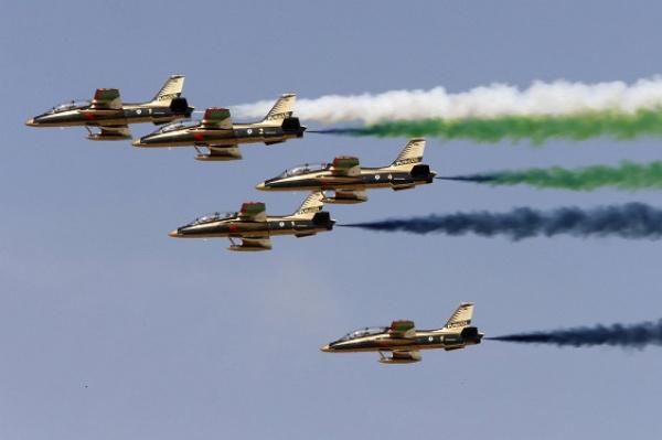 Военный парад в Абу-Даби.