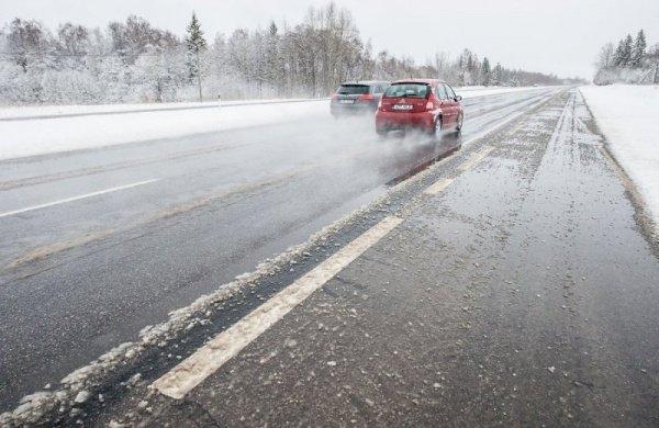 Из-за непогоды ГИБДД Татарстана советует водителям отказаться отпоездок загород