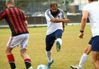 Австралийский имам защищает цвета местной футбольной команды (Фото)
