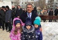 Рустам Минниханов и Михаил Бабич посетили один из казанских дворов (ФОТО)