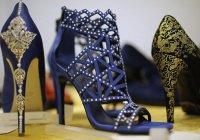 В арабских странах начали продавать туфли из золота