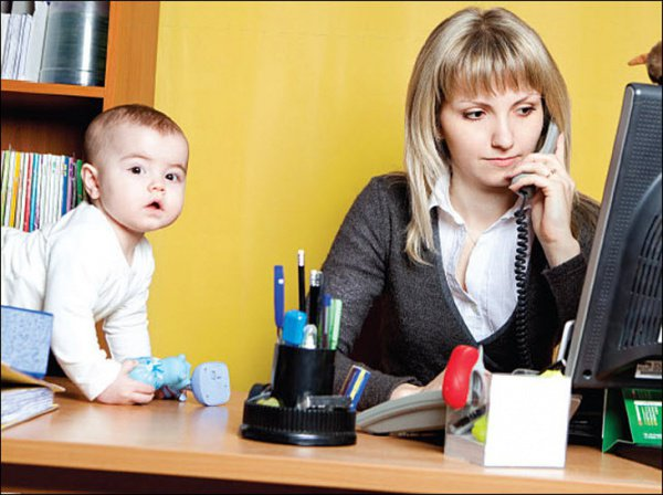 Значительная часть татарстанцев вынуждены выбирать между ребенком и карьерой.