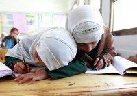 Парламент Чечни разрешил школьницам носить хиджаб