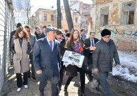 Рустам Минниханов совершил прогулку по историческому центру Казани
