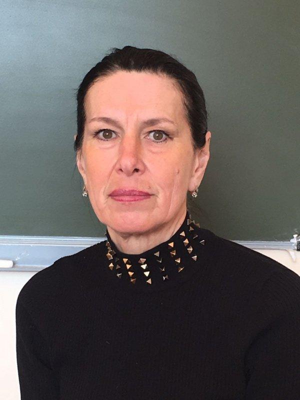 Профессор КГЭУ, исламовед и автор серии научных публикаций и ряда книг, посвященных женщинам в исламе Гульнар Балтанова
