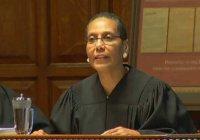 В США обнаружена мертвой первая в истории страны судья-мусульманка