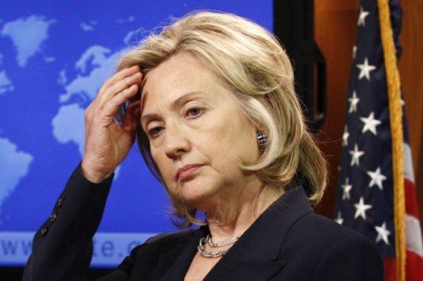 Хиллари Клинтон не впервые обвиняют в связях с террористами.