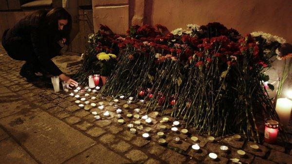 Жертвами теракта в Петербурге стали 16 человек.