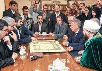 Президенту и муфтию РТ показали самый большой рукописный Коран в мире