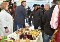 Президента Татарстана удивили мороженым из козьего молока