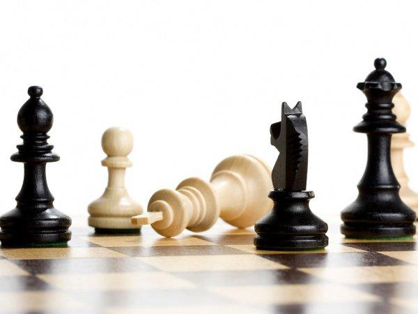 Турецкий проповедник проклял шахматистов.
