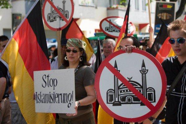 В Германии - очередной всплеск исламофобии.