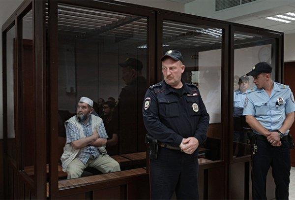 Махмуд Велитов на скамье подсудимых.