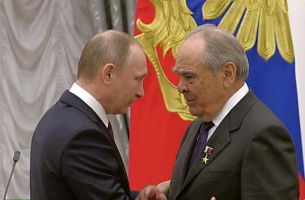 Минтимер Шаймиев иГалина Волчек удостоены высоких званий Героев труда— Кремль