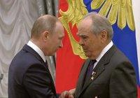 Путин вручил Шаймиеву золотую звезду Героя Труда