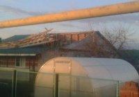 Ураган в Черемшане сорвал крыши с домов (ФОТО)