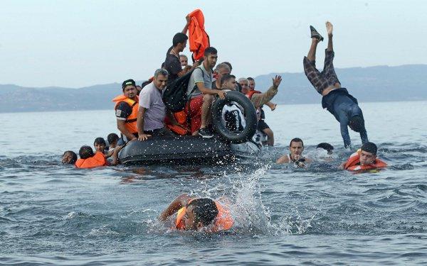 Мигранты у берегов Европы.