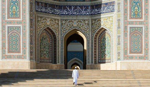 Всевышний в Коране призвал верующих к терпению и молитве