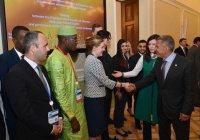 Рустам Минниханов встретился с молодыми дипломатами из исламских стран