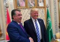 Эмомали Рахмон «победил» Дональда Трампа в рукопожатии (Видео)