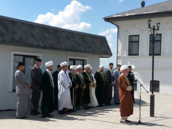 Муфтий РТ открывает в Заинске новые мечеть, медресе и музей
