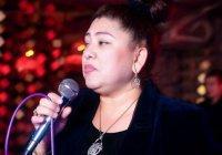 Узбекская певица исполнила оду Шавкату Мирзиееву, назвав его «султаном»