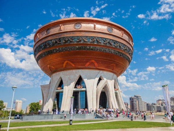 Казань вполне может стать первым большим городом сбезналичным пространством— Греф