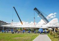 Рустаму Минниханову показали сверхзвуковой самолет Ту-144