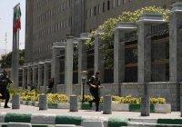 Атаковавшие иранский парламент террористы были в женской одежде