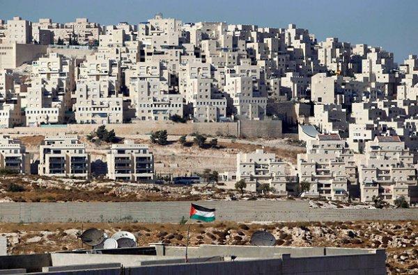 Заморозка строительства израильских поселений было одним из главных требований Аббаса.