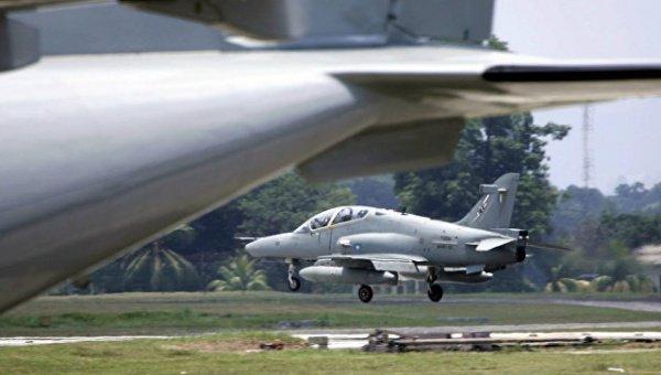 Спасатели нашли рухнувший в Малайзии военный самолет.