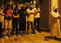 Мусульмане помолились за жертв наезда на пешеходов на месте трагедии (Фото)