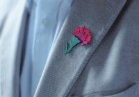 Значки «Красная гвоздика» в поддержку ветеранов появились в Татарстане