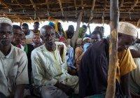 Африканские мусульмане спасаются от боевиков в церкви