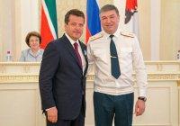 Мэра Казани сегодня наградили медалью МЧС России