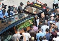 Садик Хан пришел на похороны погибшего при пожаре в высотке мусульманина (Фото)