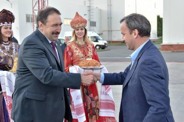 Минниханов иДворкович обсудили реализацию проекта «Безопасные икачественные дороги» вРТ