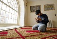 Является ли отсутствие обрезания препятствием для совершения поклонения?