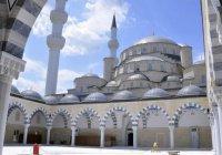 В Бишкеке завершили строительство крупнейшей в Средней Азии мечети