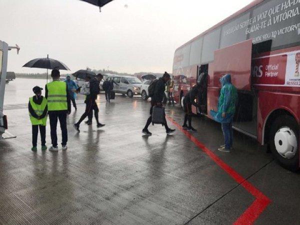 Казань встретила команду проливным дождем