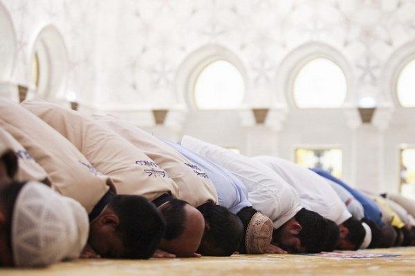 Cлово «салят» означает выполнение поклонения телом