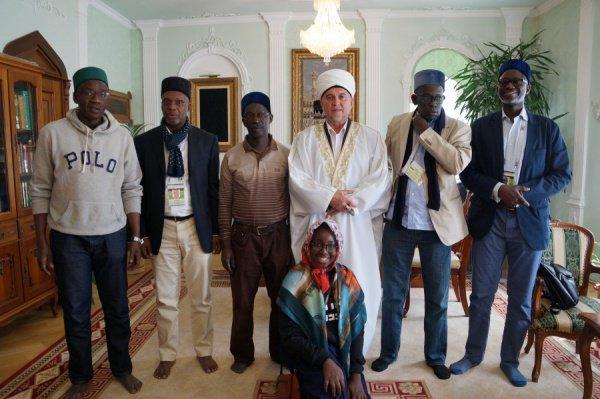 Делегация ФИФА в мечети Марджани.