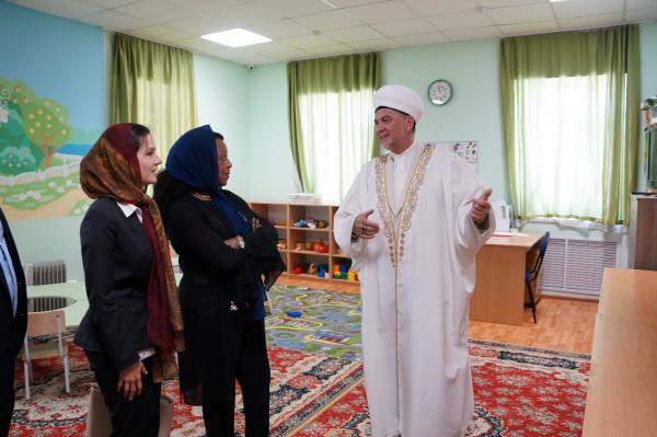 Генсек ФИФА Фатма Самура - в мечети