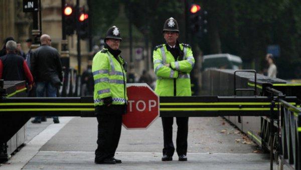 Полицейские задержали предполагаемую террористку.