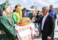 Минниханов побывал на Сабантуе в Свердловской области